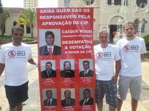 Grupo de pessoas que estão trabalhando para conseguir que a CIP seja revogada em Penápolis